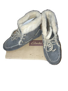 Clarks Women Bootie Moccasin Slippers, Size 8
