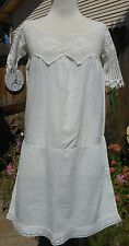 1900S VICTORIAN WHITE KNITTED LACE and COTTON DRESS Sundress Cover up Pinafore