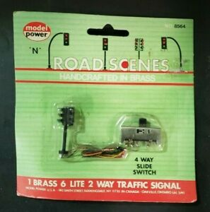 Model Power N Scale #8564 2 Way Traffic Light -  w/ 4 Way Pre-wired Switch