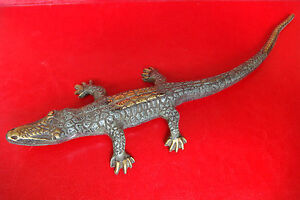 OLD VINTAGE HANDMADE CARVED BRONZE Crocodile, Alligator FIGURE STATUE
