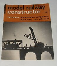 MODEL RAILWAY CONSTRUCTOR NOVEMBER 1964 - BLACK FIVE/TWO MILK VANS