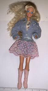 Mattel 1989 Feeling Fun Barbie Original Outfit Boots Jewelry (625)