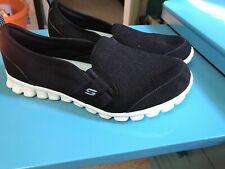 Women's Skechers Black Slip-On EZ Flex  Cushion Shoes Size 8.5
