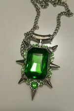 Zelena green emerald pendant necklace. Once upon a time. Wicked witch.