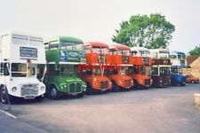 PHOTO  1996 7 EX-LONDON TRANSPORT BUSES WERE USED AS WEDDING TRANSPORT. THIS UNU