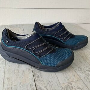 BZees Pisces Cloud Technology Sneaker size 8.5M Navy Slip On Leather Comfort