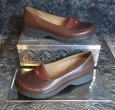 Dansko Danielle Leather Loafers. Euro 37 US 6.5. Two Tone Brown. Very Cute.