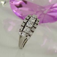 Natürliche Ringe im Cluster-Stil aus Weißgold mit Diamanten