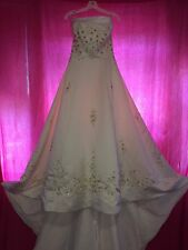 ANJOLIQUE LUXURY IVORY BRIDAL GOWN WEDDING DRESS WITH GOLD EMBROIDERY. SIZE 12