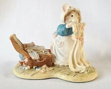 Brambly Hedge Poppy Packing Nightclothes Figure BH74 - Border Fine Arts