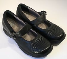 Dansko Kitty Mary Jane Rouched Black Leather Shoes in Womens Size 40 - GENTLY WO
