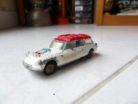 Citroen DS Safari Break Alpine Rescue Corgi Toys 1/43 jouet miniature ancien