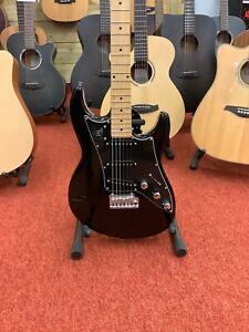 Line 6 Variax JTV69S eletric guitar and gig bag
