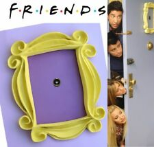FRIENDS TV SHOW , YELLOW PEEPHOLE FRAME MONICA'S DOOR ,  F•R•I•E•N•D•S
