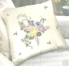"Cojín Floral frente (28 Count) Cross Stitch Kit-dmc - 15"" X 15"""