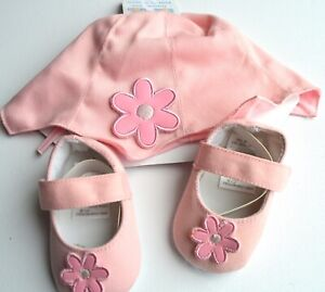 NEW Soft Touch Pink flower baby hat and shoe set 3-6months