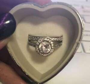 Sig-nity Diamond engagement ring and matching band very nice