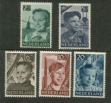 NVPH 573-577 Kind 1951 luxe postfris (MNH)