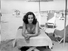 Laura Antonelli original 9x7 photo sexy in bikini on beach lying on chair