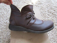 NEW BORN HAMIDS BROWN LEATHER BOOTS WOMENS 7.5 ANKLE BOOTS BOOTIES