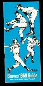 1969 Hank Aaron, Atlanta Braves Press Guide EX