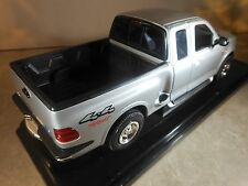 Ending Soon -  BARGAIN - 1:18 1999 Ford F-150 Flareside Supercab Welly Silver