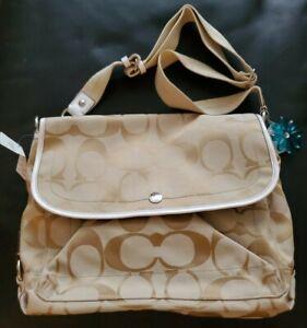 Coach Daisy Signature Messenger Bag F16557 Light Khaki White Brand New Free ship