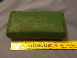 Vintage Singer Buttonholer in Case - 4  Templates w/Instructions - #160506 - VGC