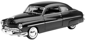 Motor Max 1/24 1949 Ford Mercury Coupe Black