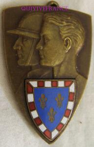 IN13993 - INSIGNE Préparation Militaire,écu de TOURAINE, émail, bronze