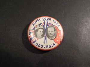 1954 ROYAL TOUR BUTTON BADGE. GOOD CONDITION.
