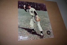 New York Yankees Hank Bauer Unsigned 8X10 Photo Pose 1