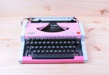 Bubble Gum Pink - Typewriter Olympia Traveller De Luxe - Gift