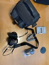 Fujifilm FinePix S700 7.1MP Digital Camera - Black Carrying Case Battery Charger