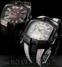 Analoge rechteckige Armbanduhren mit Jay Baxter