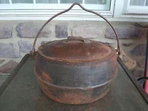 Large Antique Cast Iron Cooking Pot 10 12 w/ Handle and Metal Lid