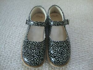 Clarks girl's Crown Jump leather shoes size 13 G - spotty