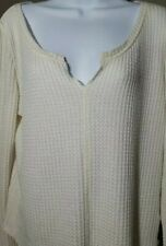 Aeropostale Womens Large sweater. Knit v neck Sweater In Cream.