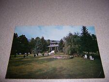 1960s CATSKILL MOUNTAIN LAKE HOUSE OLIVEREA NY. VTG POSTCARD