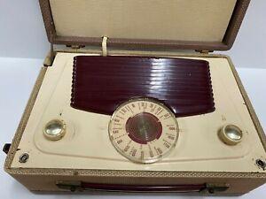 VINTAGE SMALL PORTABLE RADIO WIRELESS MY VIDOR LADY ANNE
