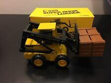 NZG #294 L-555 New Holland Super Boom Loader - 1:25 - Die Cast Model Boxed!!!!