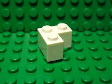 Lego NEW white 2 x 2 corner bricks    Lot of 4