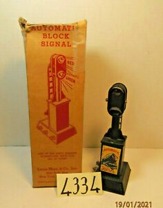 Vintage Louis Marx 454 Automatic Block Signal Model Trains w/box