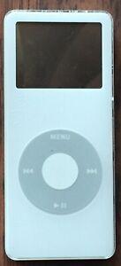 Apple iPod Nano 1st Generation White (2 GB)