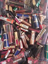 lot 100 rouges à lèvres l'Oréal et Maybelline