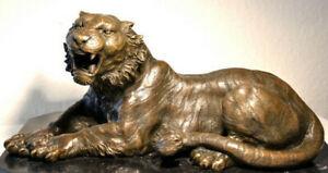 Handgefertigte Bronzefigur -  Tiger in Bronze auf Marmorsockel signiert Barye