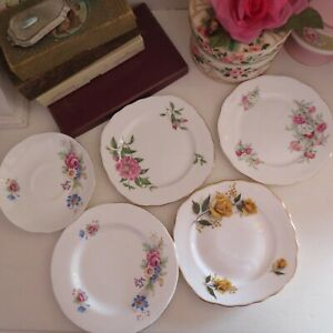 Mixed lot of vintage plates x 5 in total roses English bone china
