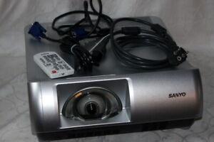 *Sanyo PLC-WL2500*Ultra-Kurzdistanz Beamer Projektor projector HDMI 0,19:1 DLP