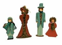 Wooden Family Of Four Christmas Caroler Figurines - EUC