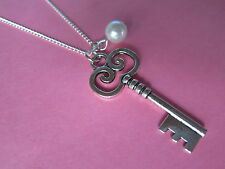 Alice In Wonderland Vintage Look Silver Tone Key & Pearl Necklace New 21st